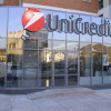 Unicredit in caduta libera, Piazza Affari la segue